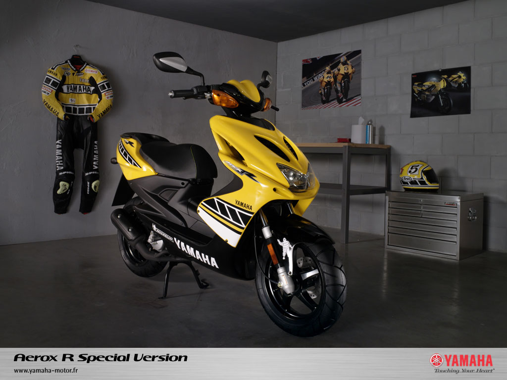 thinking of getting scooter check it out 88 mpg. Black Bedroom Furniture Sets. Home Design Ideas