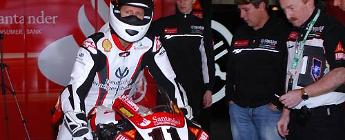 Un nouveau en Superbike????? 2008-yamaha-portimao-schumacher-box-center