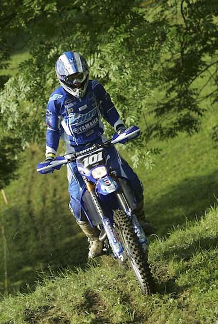 Enduro France Aigueperse 63 2 5 Yamaha Se Rebiffe Et