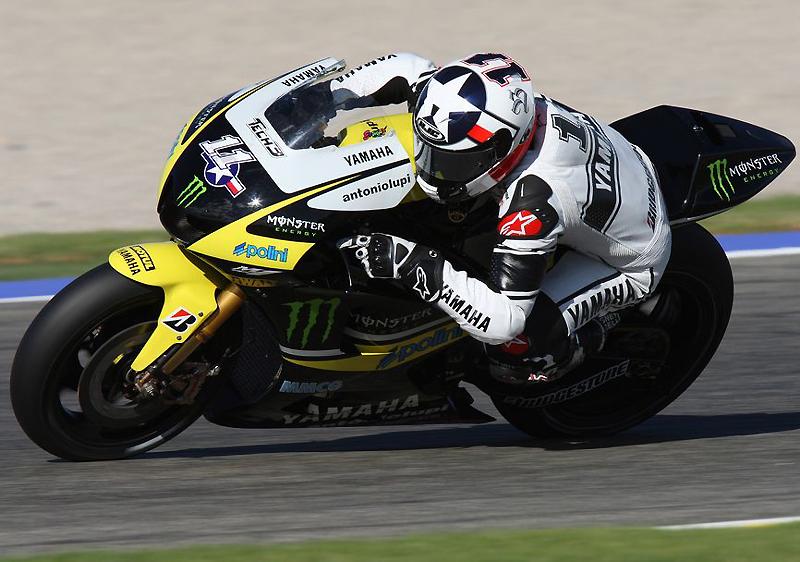 Moto GP saison 2010 2009-yamaha-valence-test-spies3