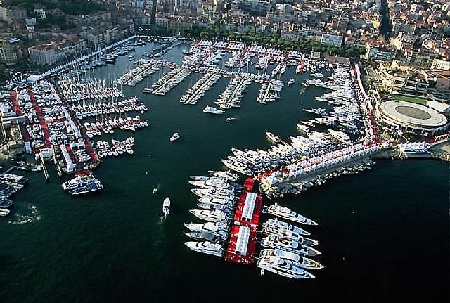 Salons nautiques le grand pavois 7 au 12 septembre 2005 for Salon cannes